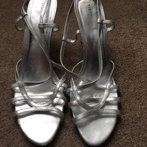 Strapped Sling Back Heels 👠